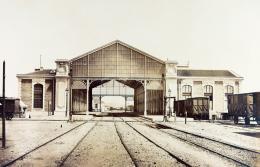 Édouard Baldus: Toulon. Albuminabzug, aus dem Album: Chemins de fer de Paris à Lyon et à la Méditerranée, 1861–1863