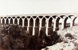 Édouard Baldus: Viaduc de St. Chamas. Albuminabzug, aus dem Album: Chemins de fer de Paris à Lyon et à la Méditerranée, 1861–1863