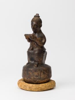 Voania von Muba (? - ca. 1928), Anthropomorphe Gefäßkeramik, Woyo Kultur, Muba, Demokratische Republik Kongo, Ende 19. Jahrhundert bis ca. 1928. Foto: Die Neue Sammlung - The Design Museum (H. Rohrer)