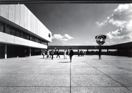 Verwaltungssitz der Neuen Heimat Bayern, München Neuperlach; Hans Maurer und Horst Mauder, 1965–1971; © Architekturmuseum TUM