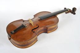 Jakob Stainer, Seitenansicht der Viola, Absam ca. 1671; TLMF Musiksammlung Inv. Nr. M/I 351  © TLM