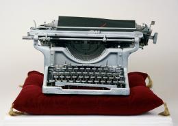 14683-14683conroymaddoxonanistictypewriter.jpg