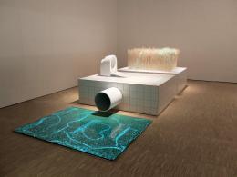Installationsansicht des offiziellen österreichischen Beitrags Circular Flows. The Toilet Revolution! Eine Installation von EOOS, beauftragt und kuratiert vom MAK – Museum für angewandte Kunst, Wien, XXII Triennale di Milano 2019 © EOOS