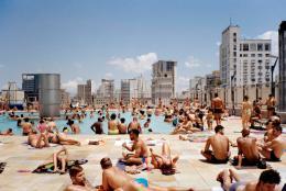 Schwimmbad im 13. Stock. Dachterasse des SESC 24 de Maio, São Paulo; © Ciro Miguel 2018