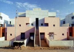 Balkrishna Doshi, Wohnsiedlung für die Life Insurance Corporation of India, Ahmedabad, 1973 © Vastushilpa Foundation, Ahmedabad