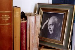 Jonas Fränkel in späten Jahren. Foto: Simon Schmid © Schweizerische Nationalbibliothek