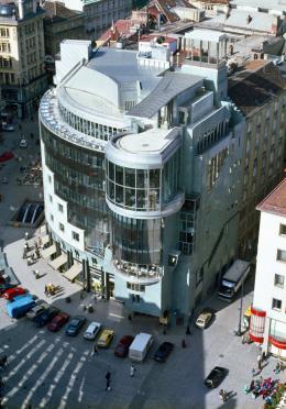 Hans Hollein, Haas-Haus, Wien, AT, 1985–1990, Blick vom Stephansdom (c) Architekturzentrum Wien, Sammlung, Foto: Friedrich Achleitner