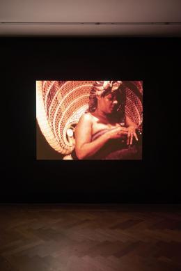 "Installationsansicht, Blick auf Edward Owens, ""Private Imaginings and Narrative Facts"", 1968–70, Kunsthalle Basel, 2020. Foto: Philipp Hänger / Kunsthalle Basel"