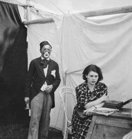Annemarie Schwarzenbach, Zirkus in Petseri, Estland (heute Petschory, Russland), 1937, Schweizerisches Literaturarchiv | Schweizerische Nationalbibliothek, Bern, Nachlass Annemarie Schwarzenbach