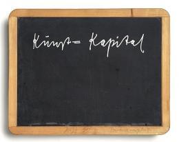Joseph Beuys: Kunst=Kapital (Siebdruck auf Schiefertafel, 1980)