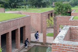 Friendship Centre Gaibhanda, Architect: URBANA / Kashef Mahboob Chowdhury  Copyright: Iwan Baan