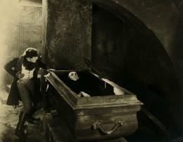 Die zwölfte Stunde, Eine Nacht des Grauens (Waldemar Roger / F. W. Murnau, D 1930)