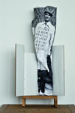 """Dominik Steiger, """"Knüller"""", 2007,  Schwarzweißkopie, Karton, Holz, 55 x 28 x 11 cm, Privatbesitz Renate Ganser"""