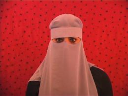 """Adidal Abou-Chamat, Still aus: """"Ver-wicklung"""", 2010 2010 Video, sound, 09:00 min."""