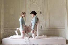 "Malin Bülow, ""Elastic Still Lives"", 2018, Performance view Hi Gordon Collective, Wien"