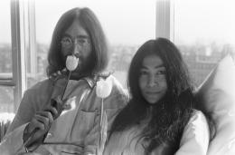 John Lennon und Yoko Ono in Amsterdam, 1969 Foto: Eric Koch, National Archives of the Netherlands / Anefo