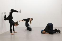 Nicole Bachmann, A circle whispering dot, 2019. Performance mit Sonya Frances Cullingford, Patricia Langa und Legion Seven