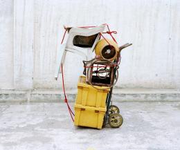 Elisa Larvego, Untitled aus der Serie Sculptures mobiles, Mexico-City, 2007. Courtesy: Helvetia Kunstsammlung