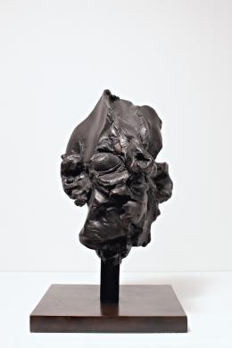Willem de Kooning, Head III, 1973 Bronze mit schwarzer Patina, 49,5 x 24,7 x 26,5 cm, AL/ed.: 4/12 Sammlung Hubert Looser, © 2019 ProLitteris, Zurich