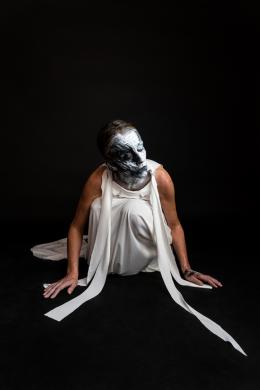 Bella Angora: Close/r (Black) (© WebCStudio Haesel)