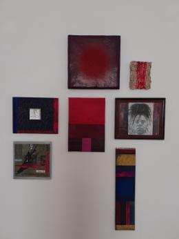 Renate Ludescher: Kleine Werkschau in Rot (© Ludescher)