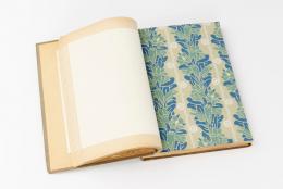 Tapetenmusterbuch der Deutschen Werkstätten Hellerau, um 1910. Herausgeber: DWH/Erismann & Cie. Stadtarchiv  Breisach/Sammlung; Tapetenfabrik Erisman & Cie. © SKD, Foto: Robert Vanis
