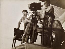 Lotte Jacobi László Moholy-Nagy, Berlin, um 1929 László Moholy-Nagy, Berlin Bromsilbergelatineabzug, 16,5 x 21,5 cm Museum Folkwang, Essen