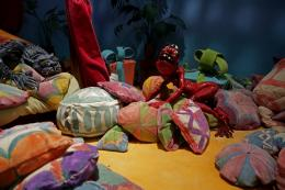 Nathalie Djurberg & Hans Berg, Am I Allowed To Step On This Nice Carpet, 2018 (Still), Stop-Motion-Animation, 6:12 Min., Courtesy die Künstler, Gió Marconi, Milan, © VG Bild-Kunst, Bonn 2019