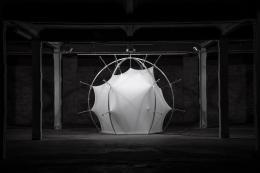 Andreas Lutz, Offset XYZ, 2018, 310 x 310 cm, pneumatic actuators, stretchable fabric, custom software