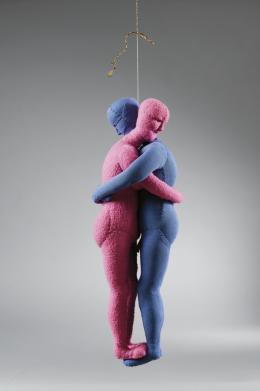 Louise Bourgeois, Couple, 2004, Stoff, 44 x 16 x 16 cm, Sammlung Goetz © und Foto: The Easton Foundation/ VG Bild-Kunst, Bonn 2020 Courtesy Sammlung Goetz, München