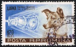 Rumänische Briefmarke aus dem Jahr 1957 mit der Hunde-Kosmonautin Laika (© Raumzeitfilm)